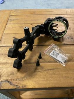 New Truglo Veros 5 Pin DDP  .019 &  .010 Bow Sight Black RH/